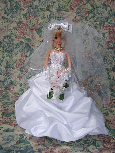 https://flic.kr/p/7VbQ8z | ウェディングドレス リメイク ジェニー | ウェディングドレスのリメイクのご注文はアトリエ・デュプリまで ウェディングドレスをそっくりそのままミニチュアにします。  Barbie(R) is a registered trademark of Mattel.Inc.