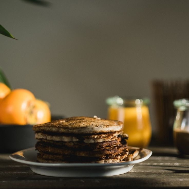 Buchweizenpancakes mit Kaki-Marmelade und Schokomus