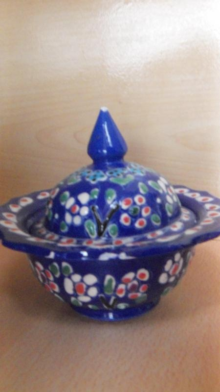 Koleksiyonerler için dekoratif tabak. Bizde.com fiyatı; 22,00 TL! Alışveriş İçin;  http://bit.ly/wsW1mW