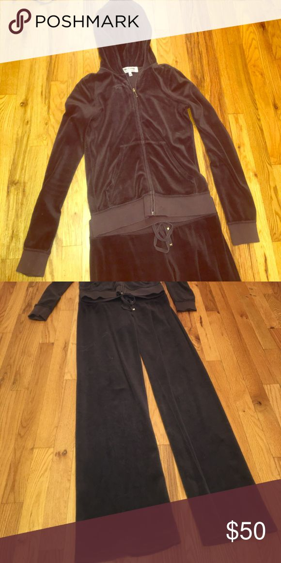 Juicy couture sweatsuit Chocolate brown juicy couture velour sweatsuit Juicy Couture Other