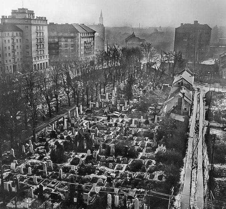 Račianske cintorín, pôvodný záber žltý, zlé rozlíšenie, obtiažna úprava