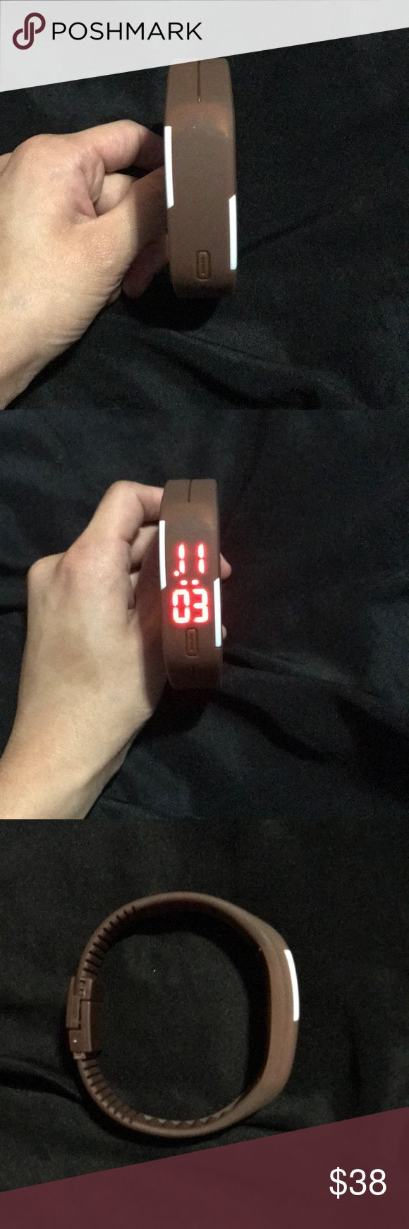Rubber digital watch The red LED energy saving display. •Click The Button, Numbers Appears, Press The Button For About Four Seconds. When The Red Numbers Blink, It Enters The Set Up Mode. •Slowly Press The Button To Adjust Time. •After Setting The Current Item, Press The Button Again for Four Seconds To Enter Next Setting. Order Of Setting Values: •Hours, Minutes, Year, Month, And Day. Do Not Press The Button, Settings will save automatically •The bracelet Can be Cut With Scissors if too…