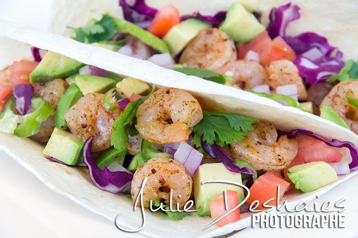 Recette de tacos savoureux de crevettes épicées santé avec photos. #shrimp #crevette #cuisine #recette #food #santé #cuisine #photo #avocat #tomate #cilantro #tomato #avocado