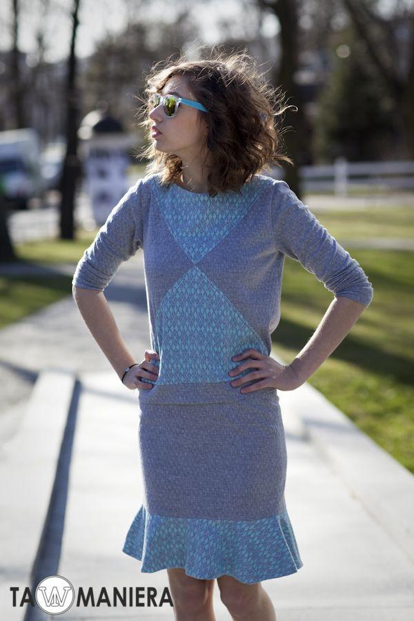Szaro niebieska bluza na wiosnę, długi rękaw.   #bluza #szara #niebieska #modna #długa
