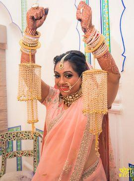 Wedding Kaleere - Unique Pearl and Gold Wedding Kaleere | WedMeGood  #wedmegood #indianbride #indianjewelry #jewelry #kaleere #pearl #gold #pink