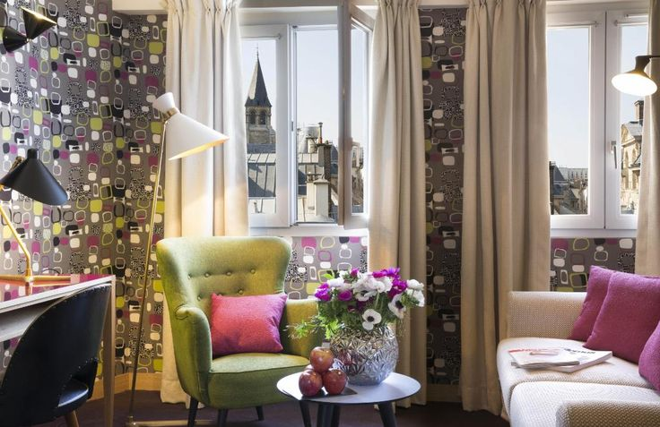 Located in the heart of Saint-Germain-des-Pres, the Artus Hotel revisits the 1950's style.