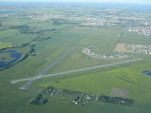 Google Image Result for http://www.airports-worldwide.com/img/canada/alberta/grande_prairie_alberta_canada_01.jpg