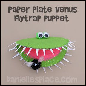"""What a fun craft activity for making a venus flytrap... the kids would love to learn more about this """"WOW"""" plant."""