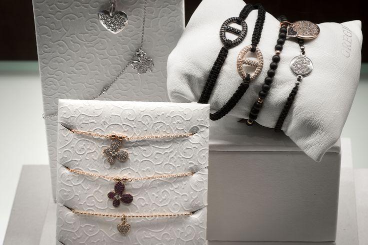 Bortolin Gioielli Udine - le nostre vetrine natalizie #gioielli #orologi #Pandora. Visita il nostro sito http://www.bortolingioielli.it/