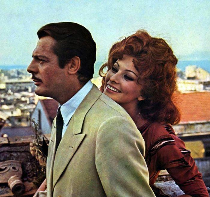 """Sophia Loren e Marcello Mastroianni in """"Ieri, oggi, domani"""""""