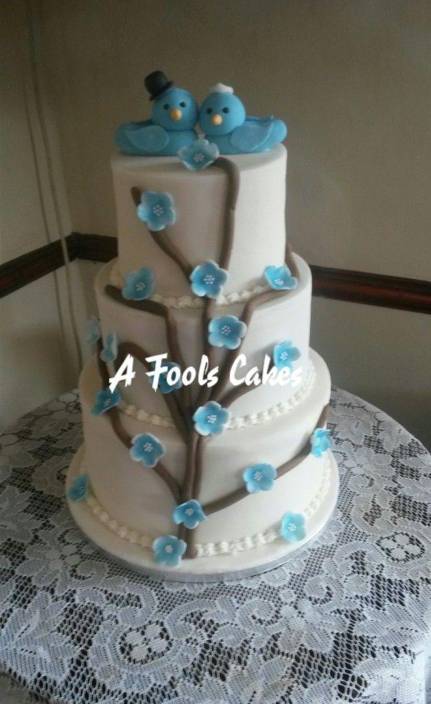 My first ever wedding cake! #lovebirds #weddingcake #afoolscakes