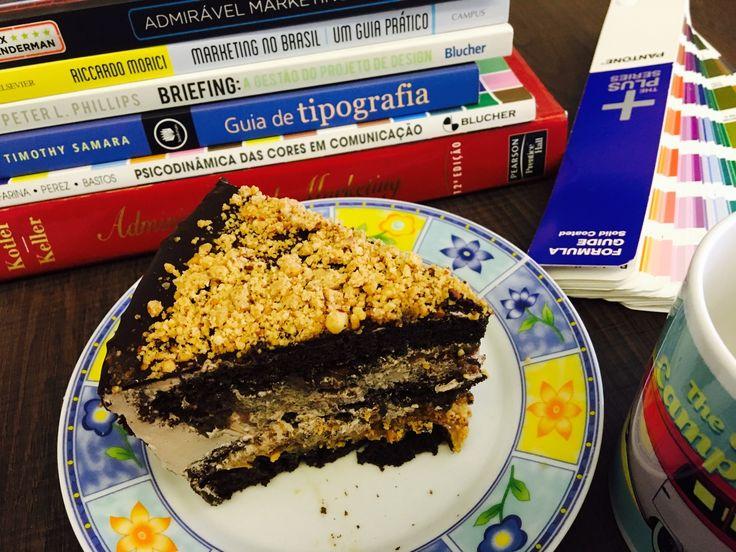 #somostaura pediu e a Confeitaria Alicis atendeu.<br />Desejos do dia da Gula.<br />A gente só queria uma torta!!!!<br />Mas veio uma super delícia!<br />Receita nova, provando com exclusividade!!!!<br />Obrigada Alicis!<br />#deliciasdaalicis <br />