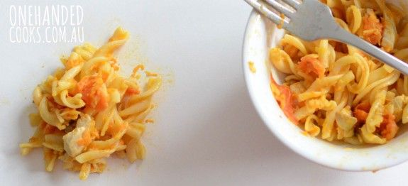 The perfect pasta for fussy eaters, they will all love this #onehandedcooks