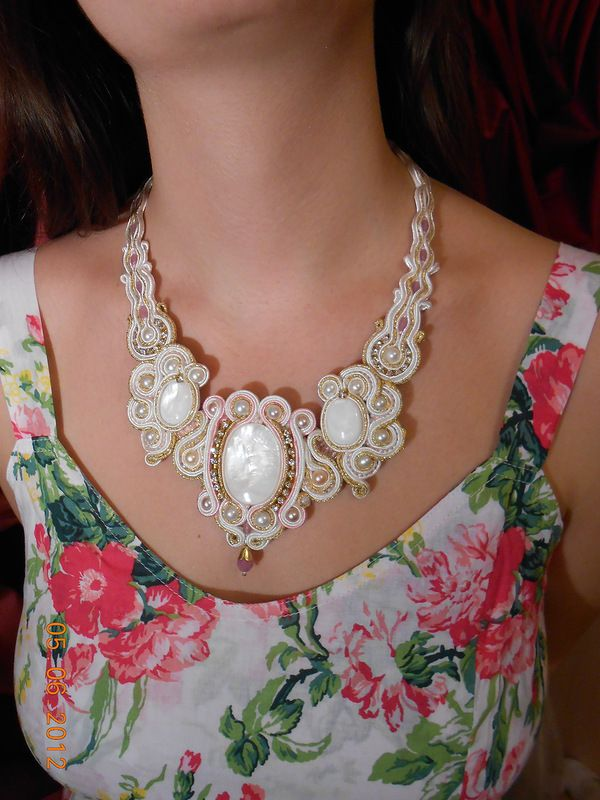 Soutache necklace Колье перламутр, натуральный жемчуг,  кристаллы Сваровски, сутаж