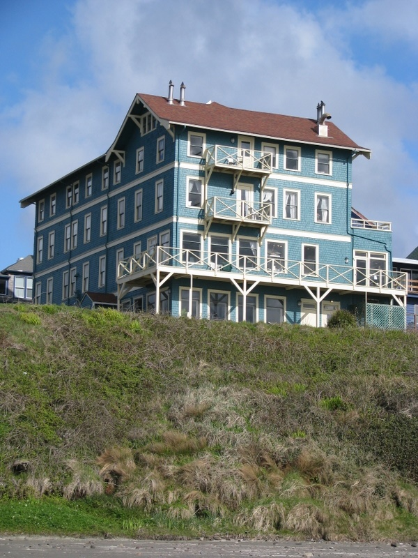 Go Back To The Sylvia Beach Resort On Oregon Cost And Stay In One Of Themed Rooms Side Beachcomb After A Storm Hotels