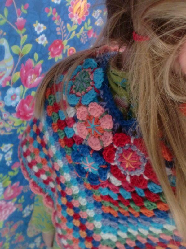 Haken en meer: gehaakte poncho==granny square shawl