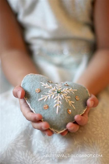 Christmas heart, via Flickr.