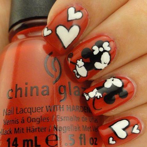 Mickey and Minnie kiss nail art