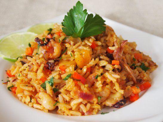 Peruvian Style Rice with Seafood - QueRicaVida.com