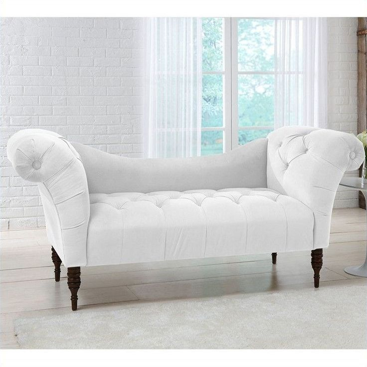 Skyline Furniture Tufted Chaise Lounge In White Tufted