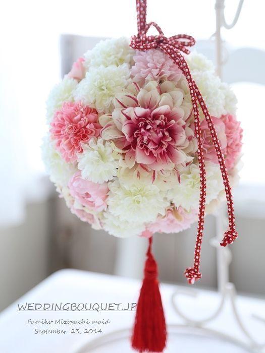 和装でも花束が持ちたい♡色打掛・白無垢に似合うおすすめブーケデザイン4選*にて紹介している画像