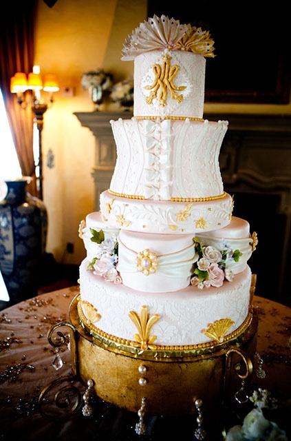 French Wedding Cake, Photo: Hollye Schumacher Photography, Cake: Honey Moon Sweets #wedding #cake