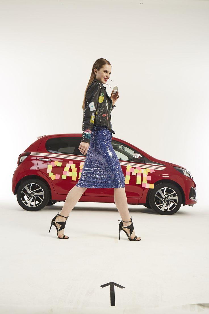Cosmo Motors backstage! Scopri l'auto perfetta per collezionare sguardi ;)  Sandali Simone Castelletti