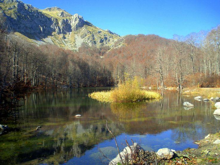 Arrenes Lakes/ Λίμνες Αρρένες