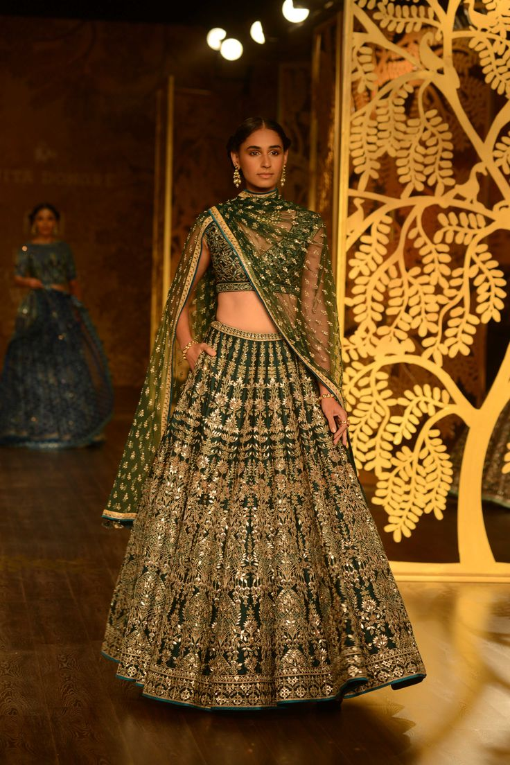 Anita Dongre's signature style, while the breathtakingly spectacular outfits were complemented by stunning pieces from Anita's Dongre's jewellery label of uncut diamonds, Pinkcity.#ICW2017https://www.perniaspopupshop.com/
