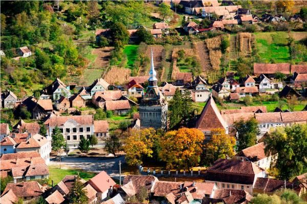 Transylvania captures Prince Charles' heart    curch in Saschitz, Transylvania Region of Romania (Saschiz (German: Keisd; Hungarian: Szászkézd, Hungarian pronunciation: [ˈsaːskeːsd]; Transylvanian Saxon dialect: Kisd) is a commune in Mureş County, Romania.)