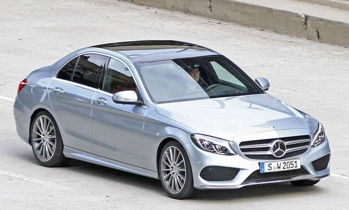 When we talk about new model, the 2016 Mercedes E class, there is some new details and improvements. Mercedes's E class was one of the best selling Mercedes row of models for a long time.