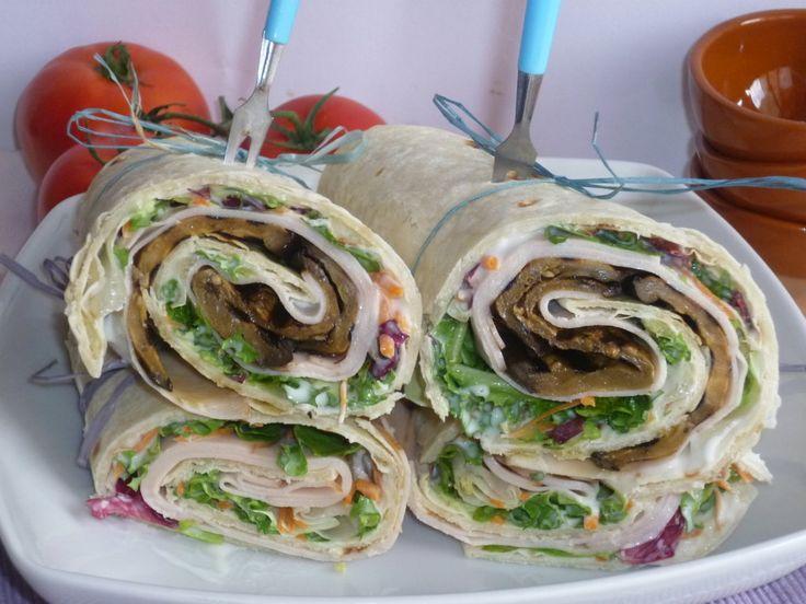 le piadine farcite con stracchino e verdure, sono un' idea veloce, per una cena, un pic nic, oppure per un pranzo al mare, farcite con stracchino e verdure