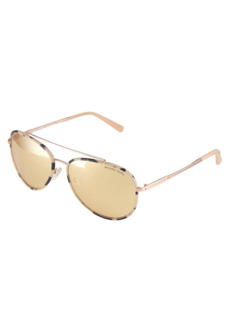 Michael Kors. IDA - Occhiali da sole - pink tortoise/rose goldtone. #occhialidasole #sunglasses #zalandoIT #fashion #moda Portaocchiali:Custodia rigida. Forma occhiali:Pilota (a forma di goccia). Protezione UV:Sì. Astine:13.5 cm nella taglia 59. Ponte:1.5 cm nella taglia 59. Larghezza:14 cm nella taglia 59