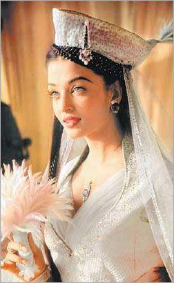 Aishwarya Rai Bachchan in the Taj Mahal movie promo
