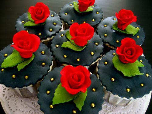 Roses & Black Cupcakes Black Rose, Cupcakes Cool, Rose Cupcakes, Black ...