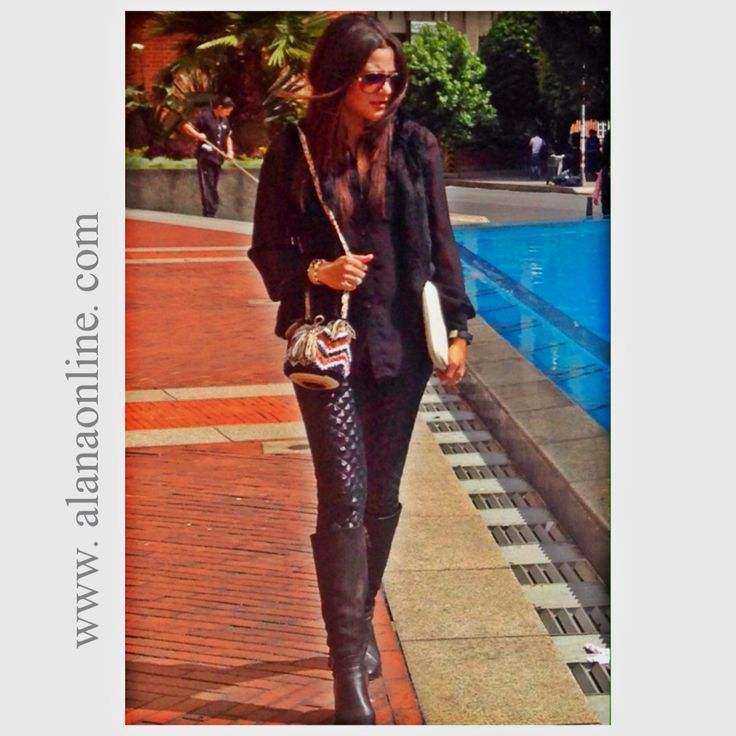 Usa tu Alana Mochila con leggins, jeans o maxifaldas. Tu outfit tendrá un aire bohoChic