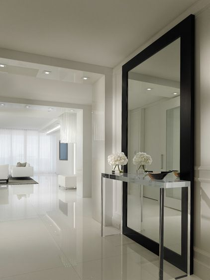 Contemporain Couloir by Interiors by Steven G