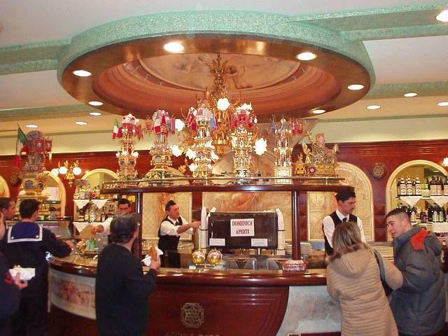 L'Etoil d'or prestigioso Bar in via Dusmet 7 #Catania.