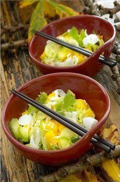 Cuisiner le crabe à la tahitienne, comme dans cette salade fraîche et diététique, on adore :!