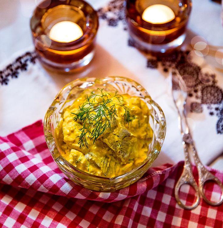 Sill med saffran, apelsin och Västerbottenost