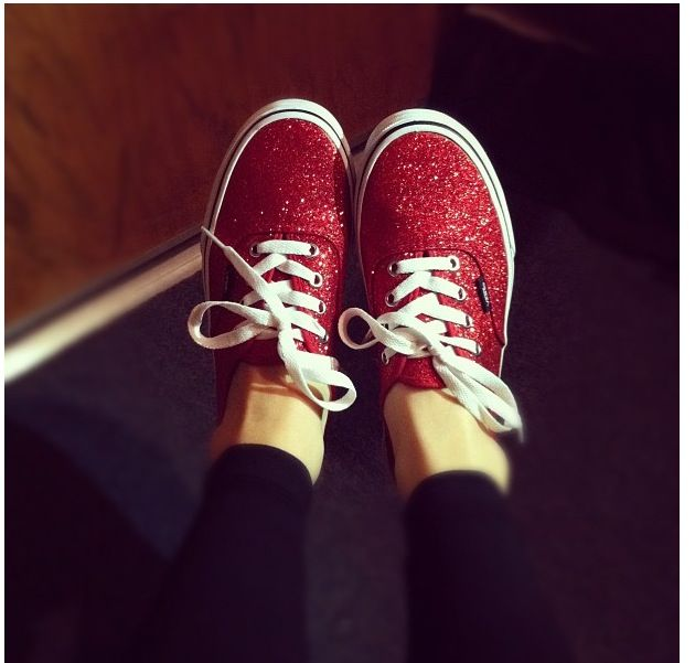 red glitter vans<3