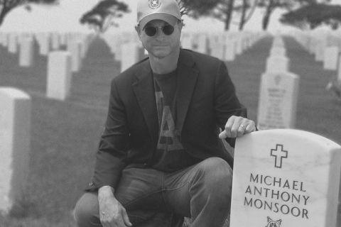 memorial day tribute gary sinise