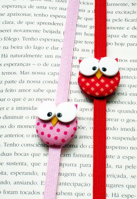 Bookmarks using elastic and fabric covered buttons - little birds are cute, but could be great just with interesting fabric or embroidered fabric buttons