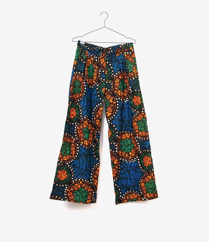 Een Nederlands merk met Nigeriaanse roots. Shop bij ons deze prachtige gekleurde collectie.