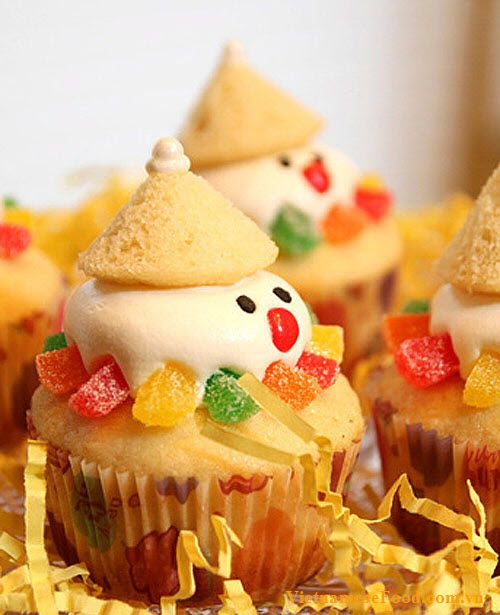 Snow Man Cupcakes Recipes (Cupcake Người Tuyết) #cupcakes #cupcakeideas #cupcakerecipes #food #yummy #sweet #delicious #cupcake