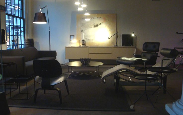 Theme: BLACK OUT!  Artifort, Vitra, Hay, Montis and way more!