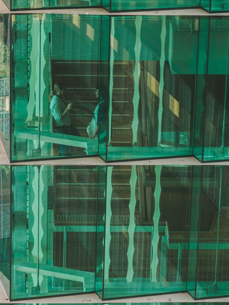 Translational Research Institute, Brisbane, Australia   Exterior glazing detail on the Translational Research Institute (TRI) building; Image courtesy of Shantanu Starick