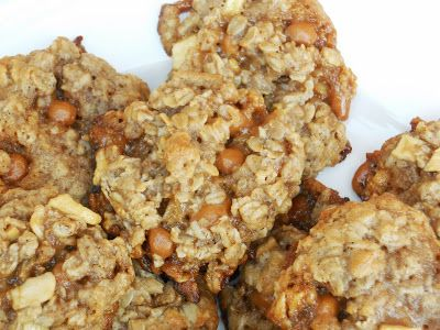 Caramel Apple Oatmeal Cookies. Just pulled these out of the oven and OH MY STARS they are DELICIOUS!!!