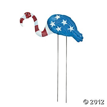 I must have this Patriotic Flamingo for the 4th....as soon as I have a yard