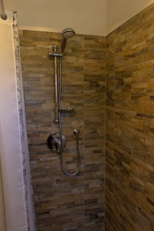 Le Fogge casa vacanze – Bagno piano inferiore doccia